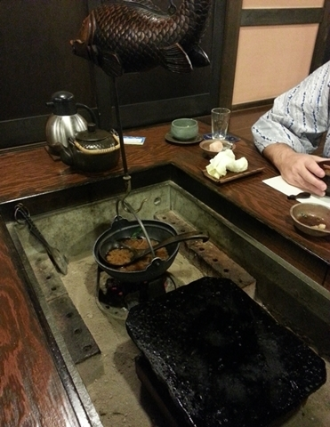 How to keep yourself warm in the cold winter in Japan - Irori - dining