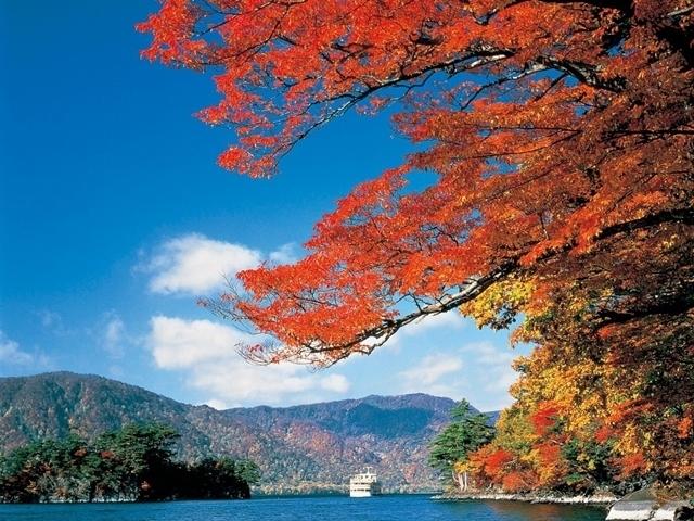 Hidden Autumn Leaves Northern Japan 14 days