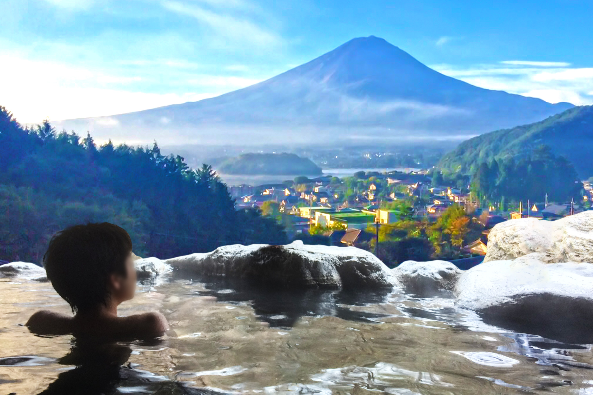 How much cash should I take to Japan? Onsen with Mt Fuji view